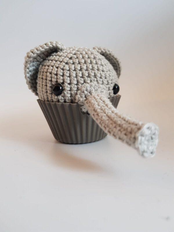 Gehaakte olifant cupcake